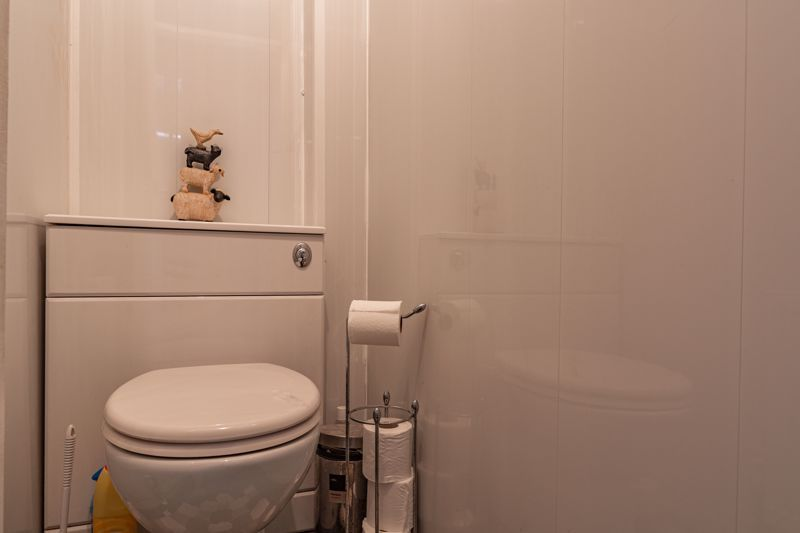 3 bed house for sale in Ashdown Close  - Property Image 11