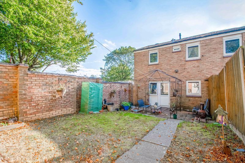 3 bed house for sale in Ashdown Close 13