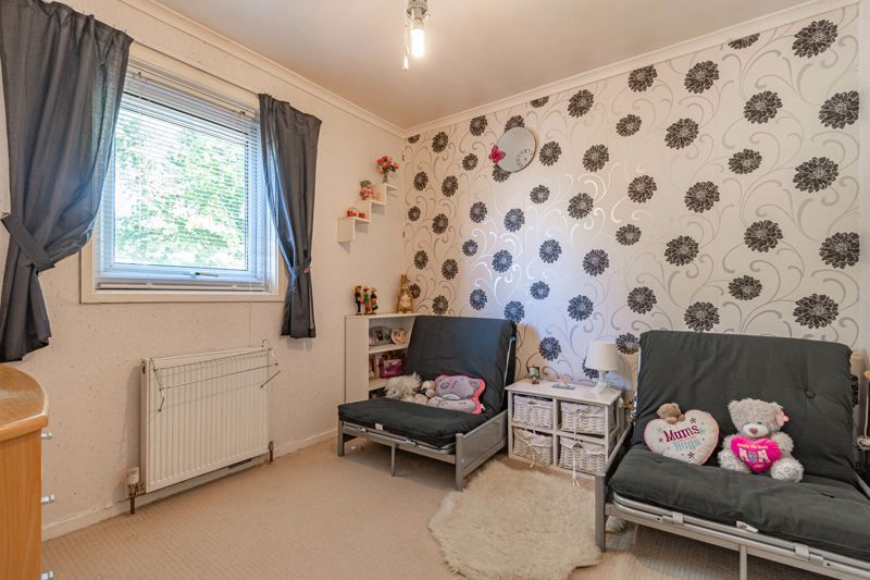 3 bed house for sale in Ashdown Close 8