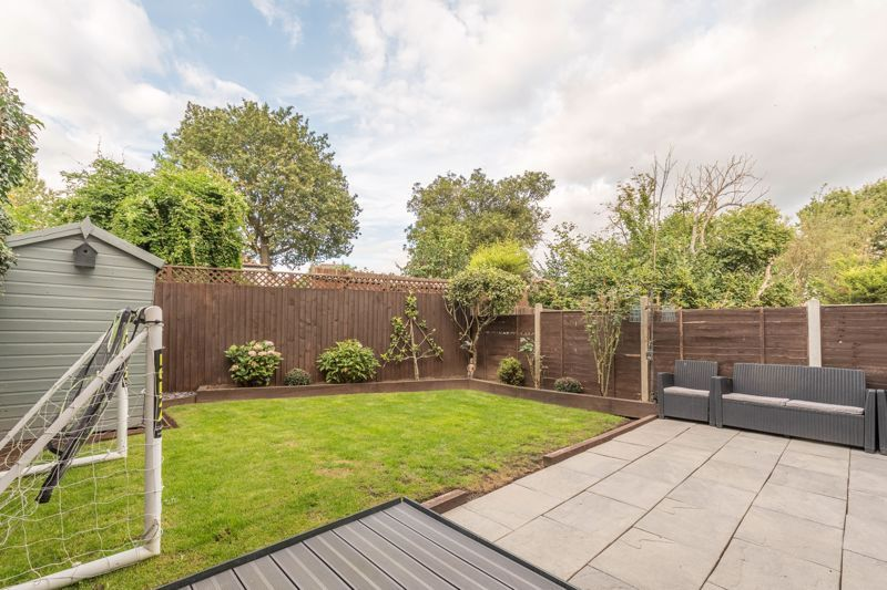3 bed house for sale in The Roundabout 13