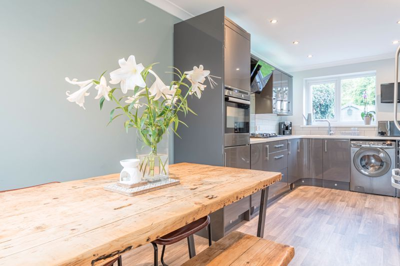 3 bed house for sale in The Roundabout  - Property Image 5