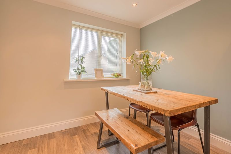 3 bed house for sale in The Roundabout  - Property Image 6