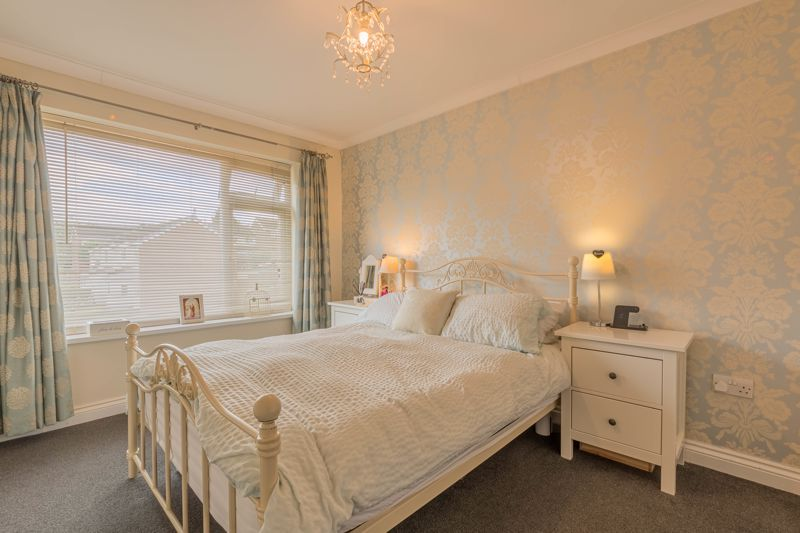 3 bed house for sale in The Roundabout  - Property Image 7