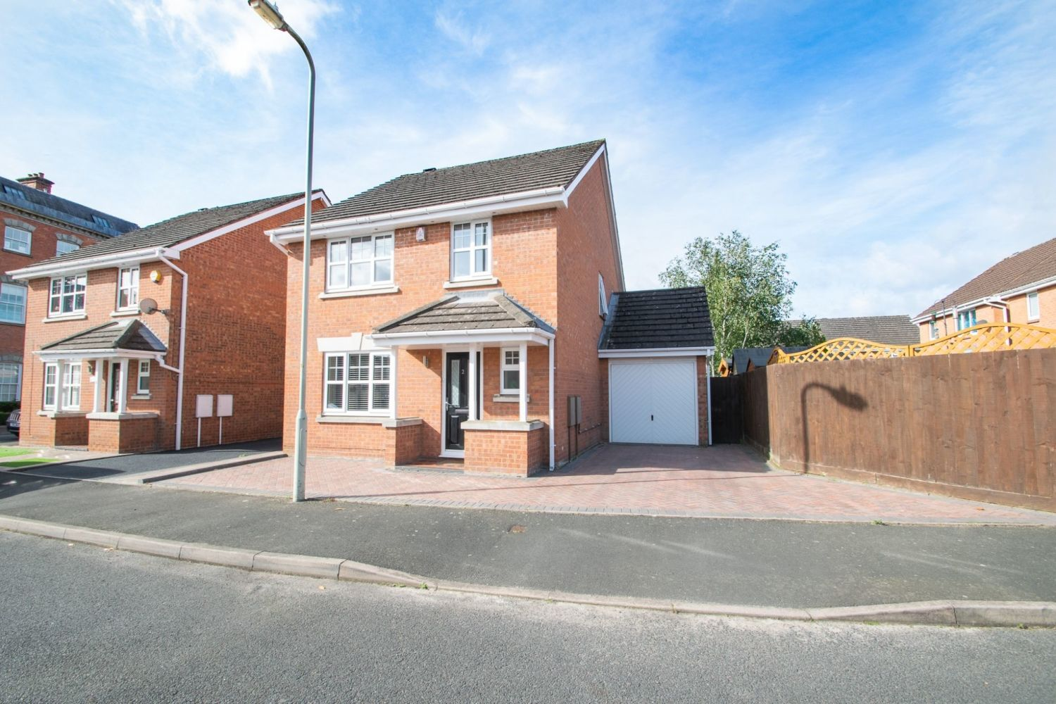 3 bed detached for sale in Batchelor Close, Amblecote  - Property Image 1