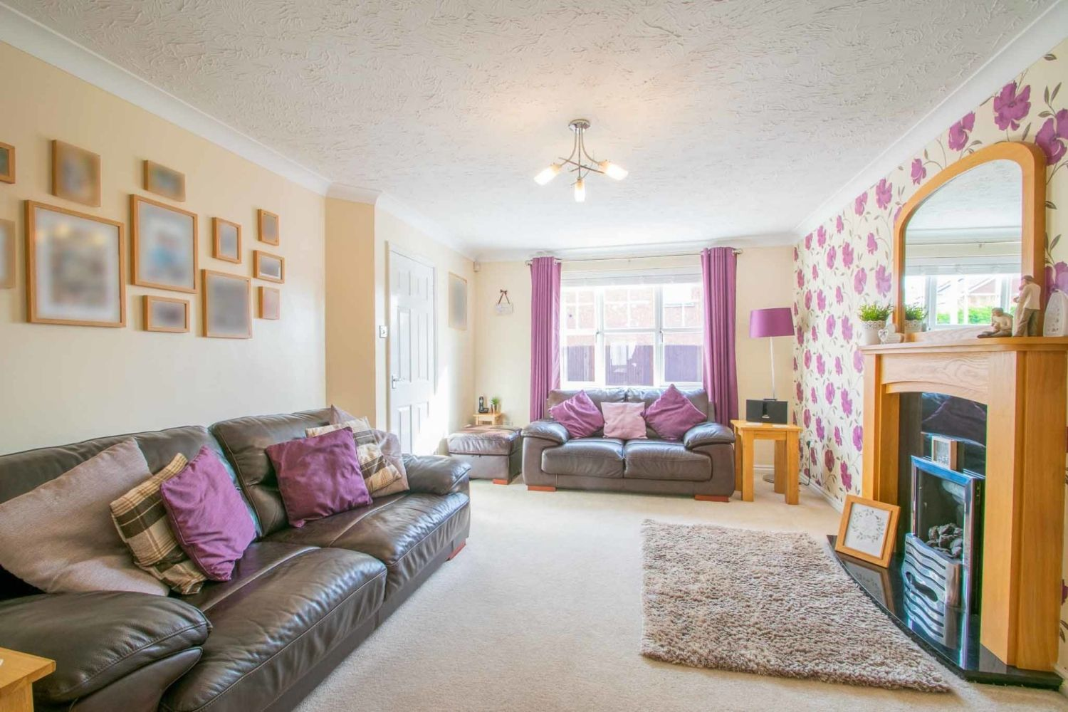 3 bed detached for sale in Batchelor Close, Amblecote 2