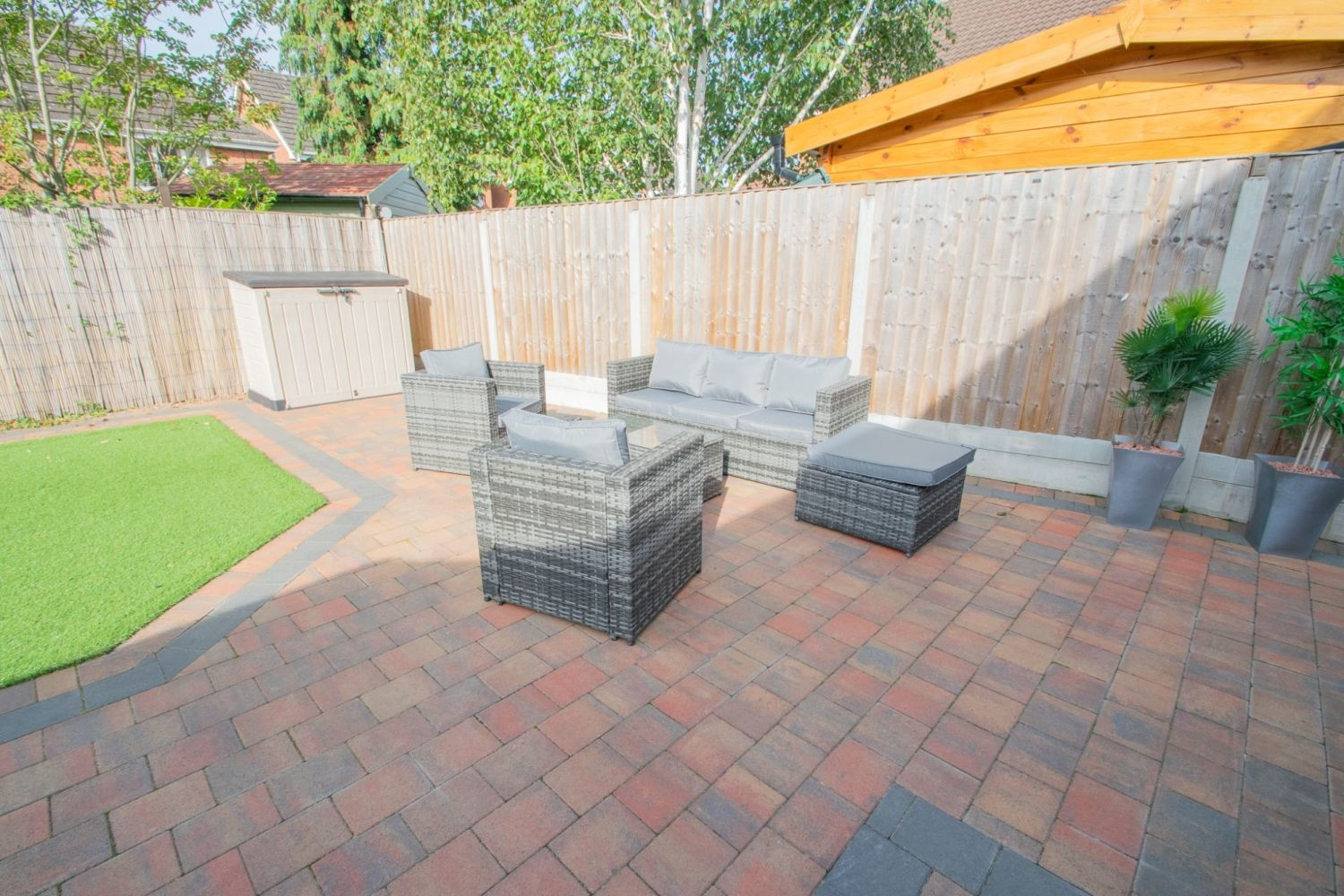 3 bed detached for sale in Batchelor Close, Amblecote 22