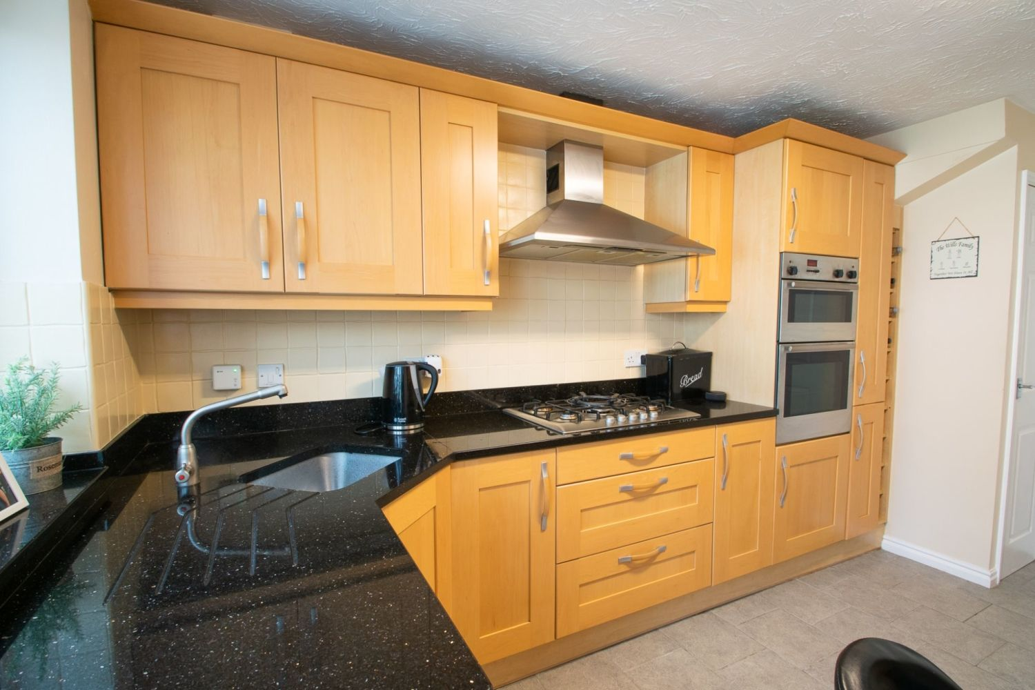 3 bed detached for sale in Batchelor Close, Amblecote 6