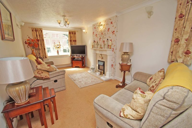 5 bed house for sale in Cranham Close  - Property Image 2