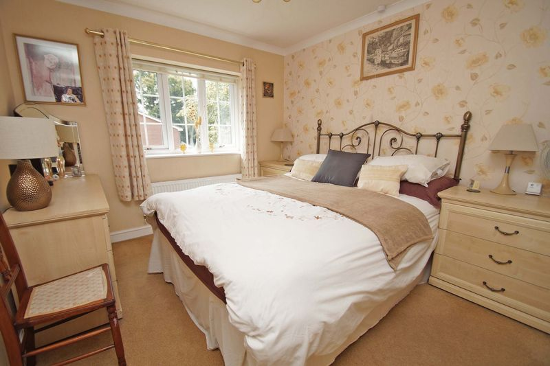 5 bed house for sale in Cranham Close  - Property Image 11