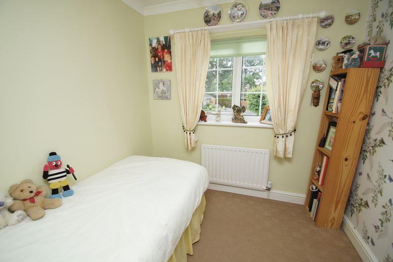 5 bed house for sale in Cranham Close  - Property Image 13