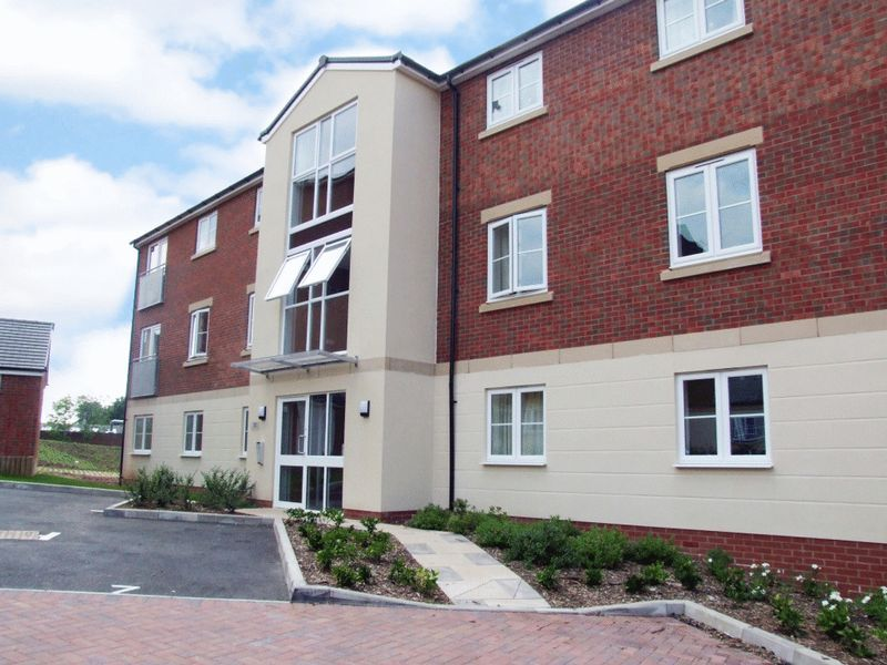 2 bed flat to rent in Hollington House 1