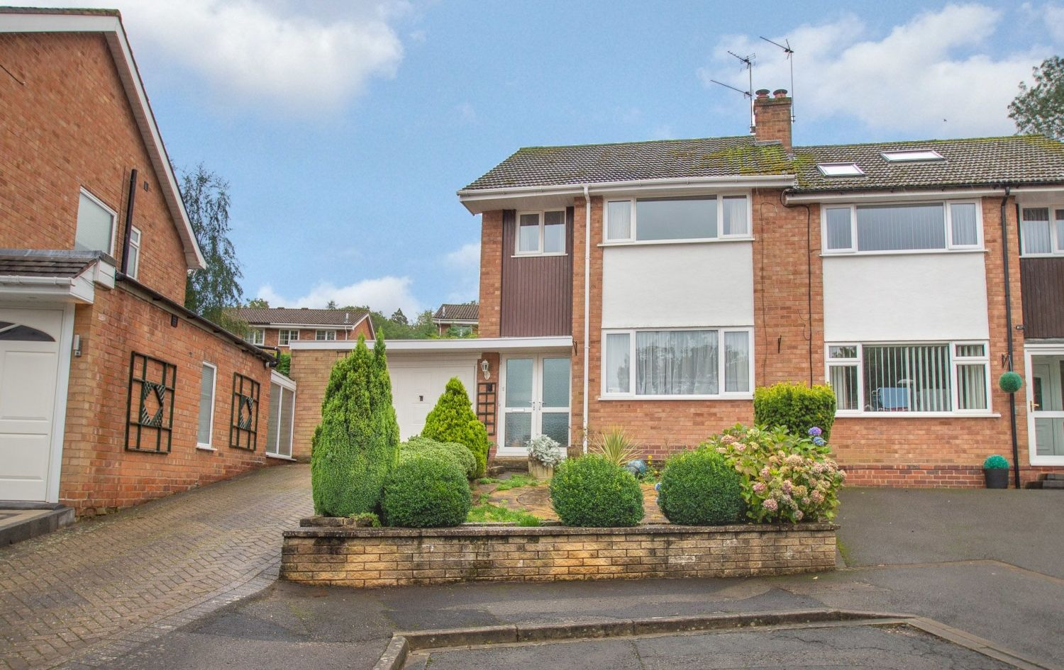 3 bed semi-detached for sale in Vicarage Crescent, Redditch  - Property Image 1