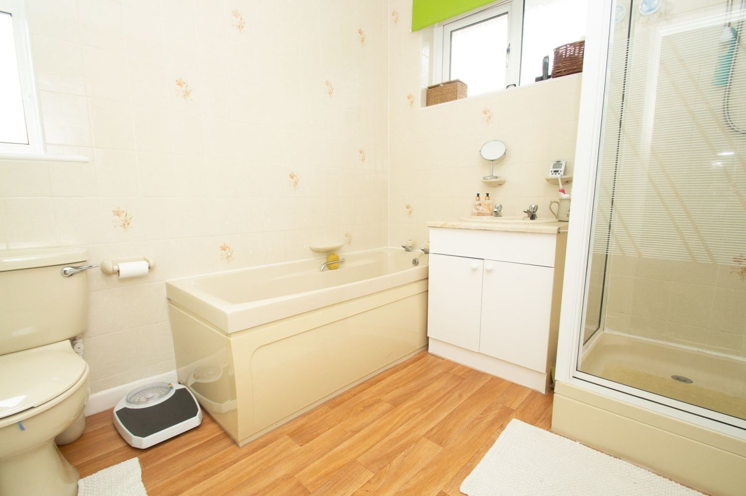 3 bed semi-detached for sale in Vicarage Crescent, Redditch  - Property Image 11