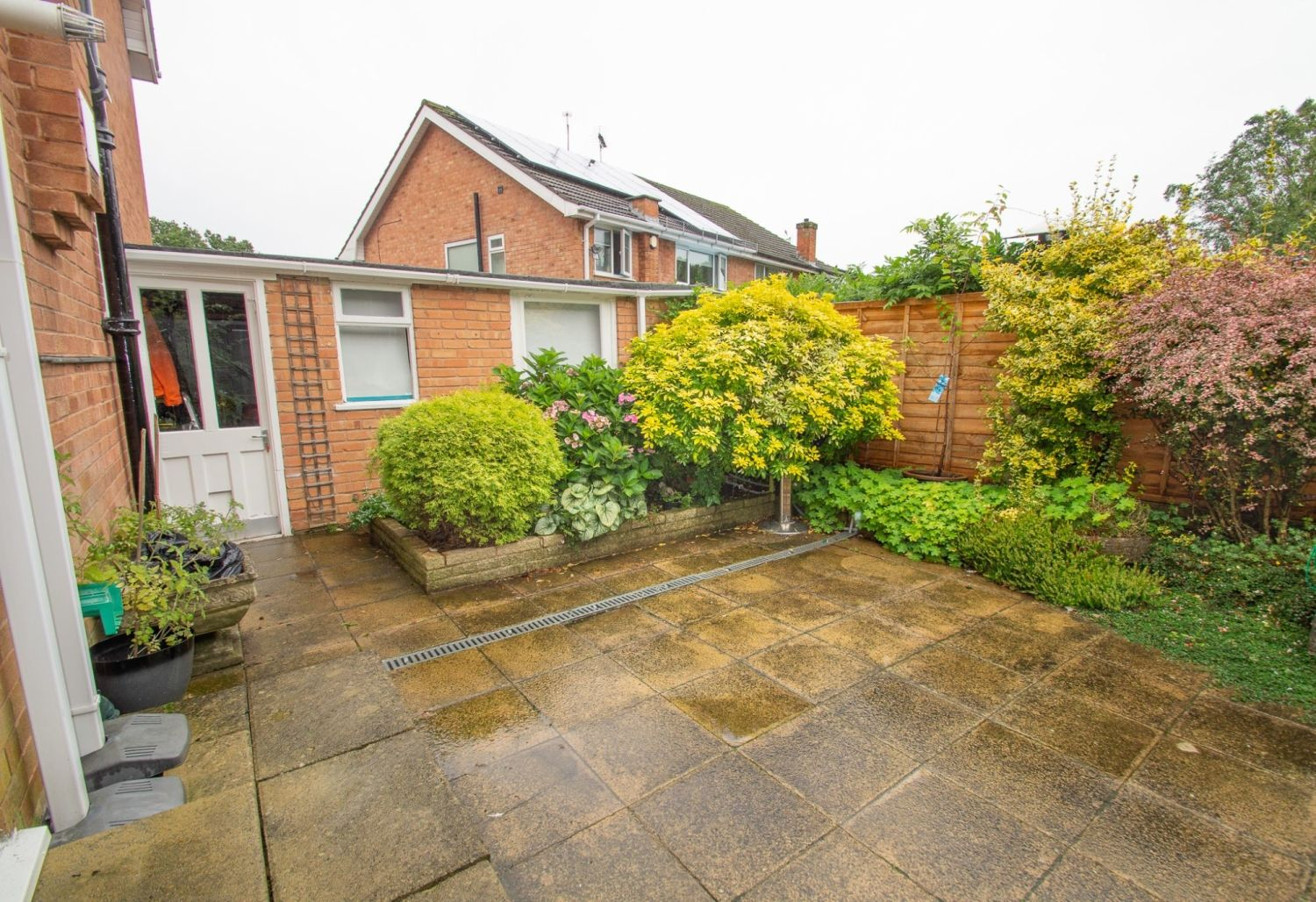 3 bed semi-detached for sale in Vicarage Crescent, Redditch  - Property Image 14