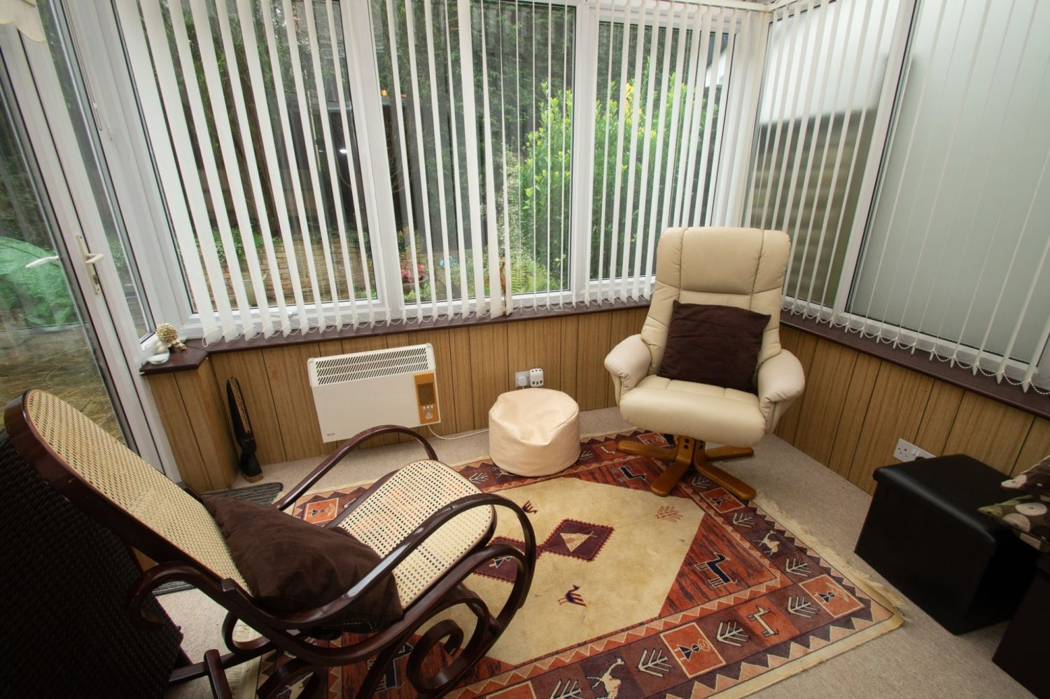 3 bed semi-detached for sale in Vicarage Crescent, Redditch  - Property Image 6