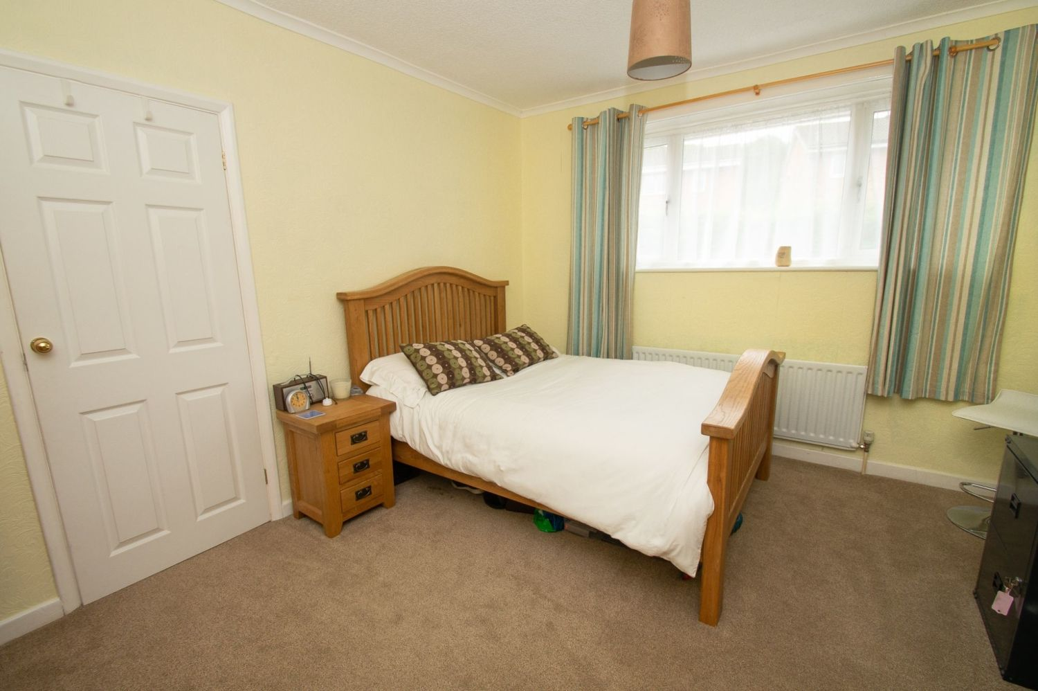 3 bed semi-detached for sale in Vicarage Crescent, Redditch  - Property Image 7