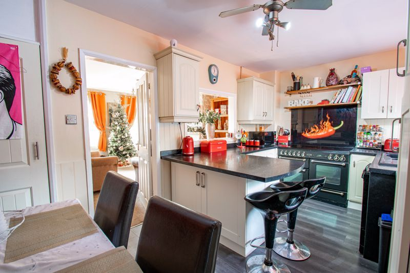 3 bed house for sale in Cobnall Road  - Property Image 3