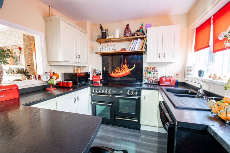 3 bed house for sale in Cobnall Road  - Property Image 4