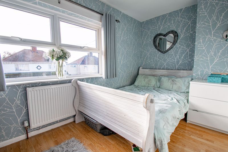 3 bed house for sale in Cobnall Road 5