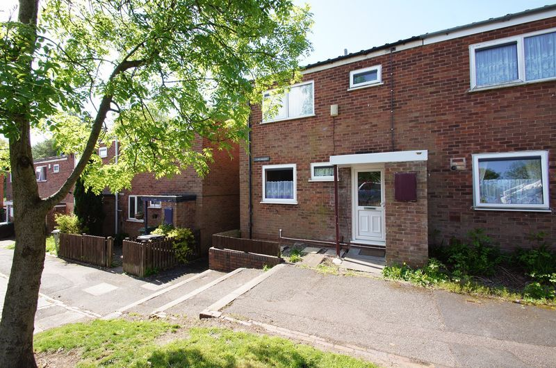 3 bed house to rent in Astley Close 1