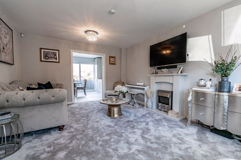 4 bed house for sale in Royal Worcester Crescent 14