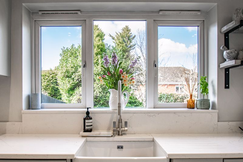 4 bed house for sale in Royal Worcester Crescent 16