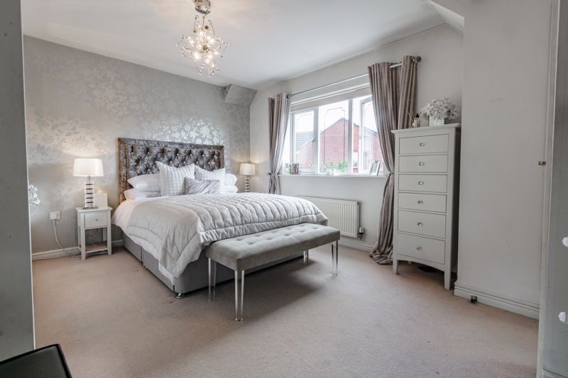 4 bed house for sale in Royal Worcester Crescent 7