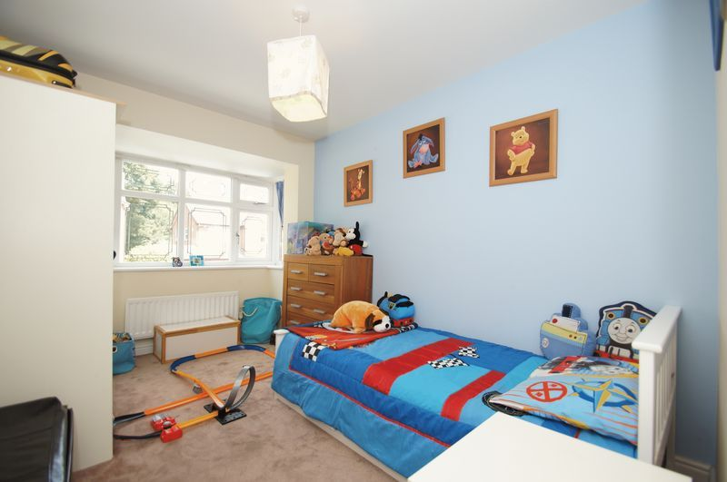 4 bed house for sale in Fairbourne Gardens  - Property Image 12