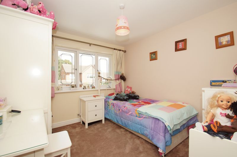 4 bed house for sale in Fairbourne Gardens 13
