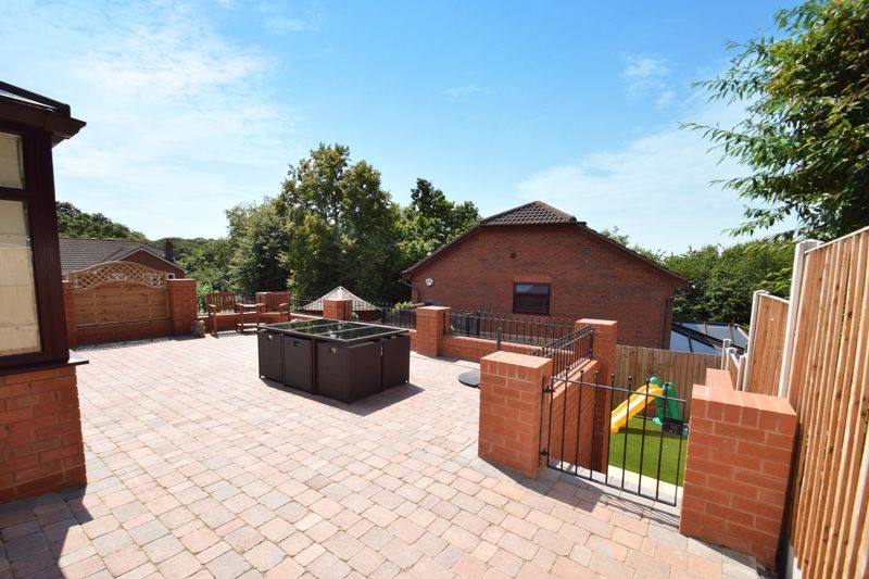 4 bed house for sale in Fairbourne Gardens  - Property Image 18