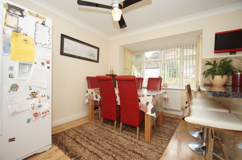 4 bed house for sale in Fairbourne Gardens 5