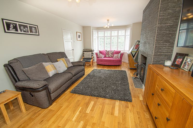4 bed house for sale in Easemore Road  - Property Image 2
