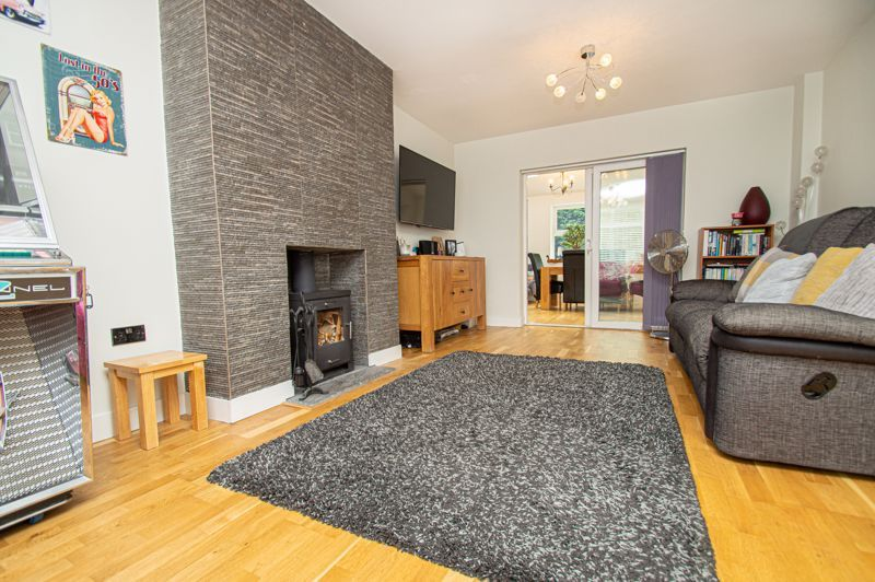 4 bed house for sale in Easemore Road  - Property Image 15