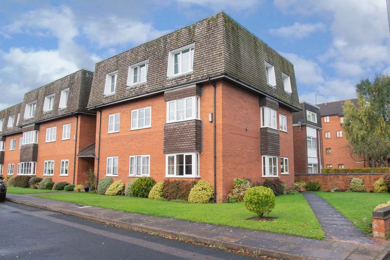2 bed flat for sale in New Road 1