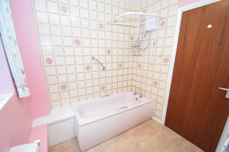 2 bed flat for sale in New Road  - Property Image 11