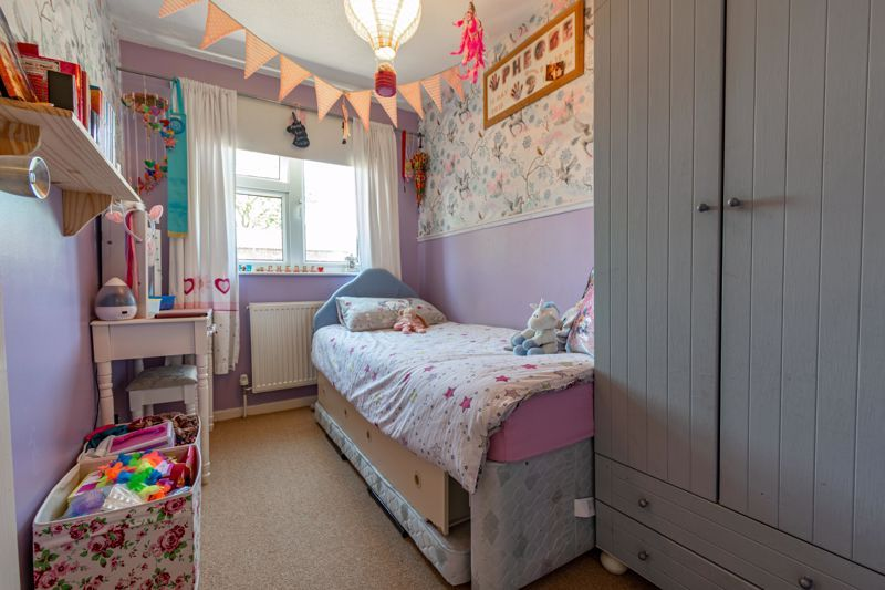 3 bed house for sale in Exhall Close 11