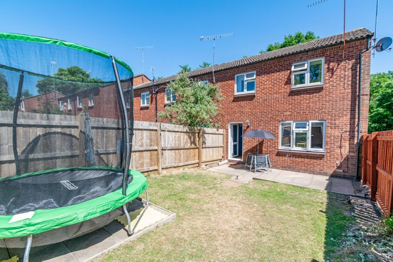 3 bed house for sale in Exhall Close 14