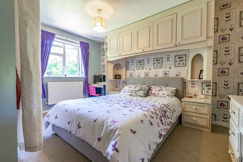 3 bed house for sale in Exhall Close 7