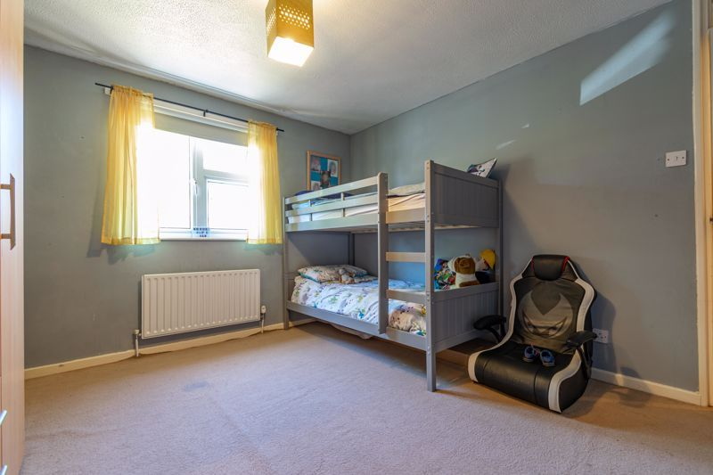 3 bed house for sale in Exhall Close 9