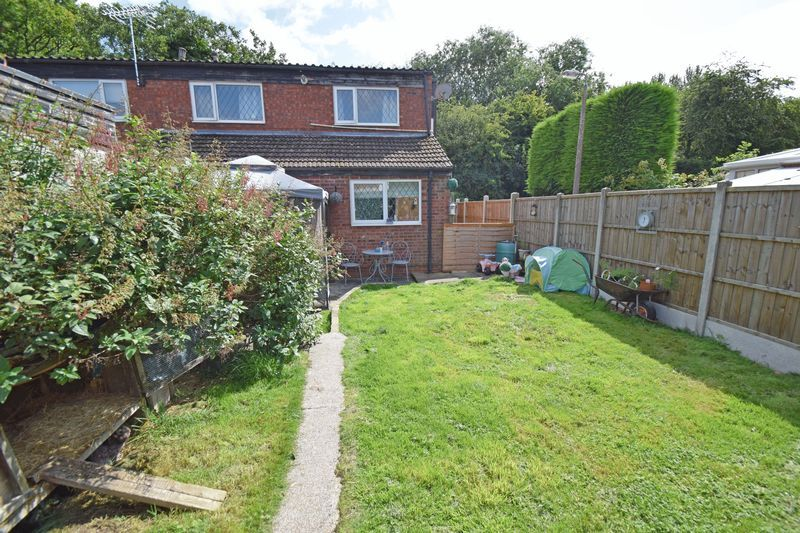 3 bed house for sale in Sutton Close  - Property Image 1