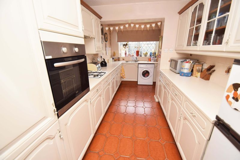 3 bed house for sale in Sutton Close  - Property Image 2