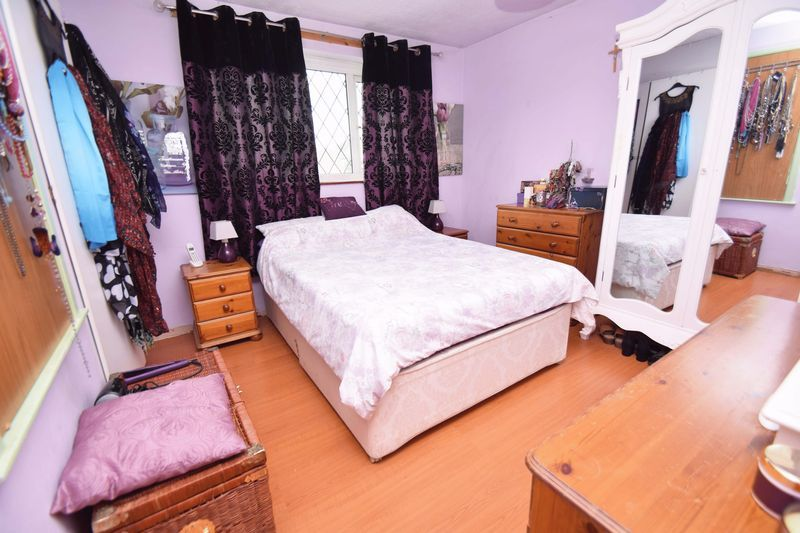 3 bed house for sale in Sutton Close  - Property Image 6