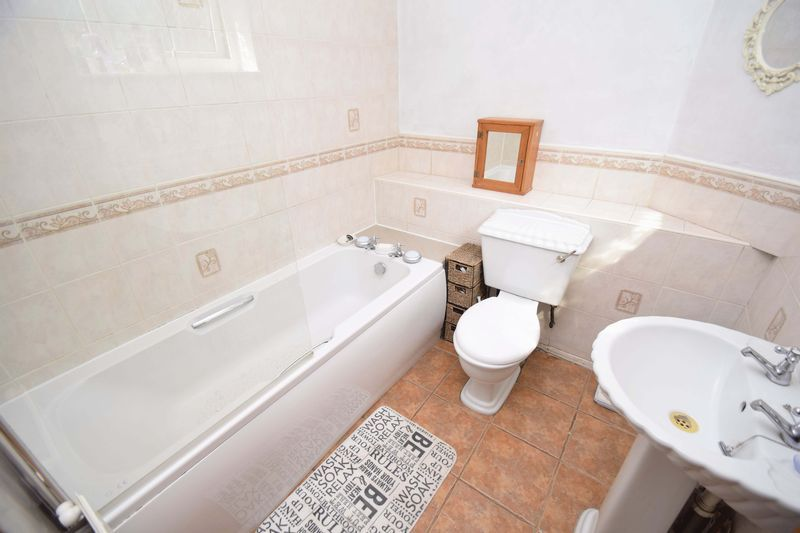 3 bed house for sale in Sutton Close 9