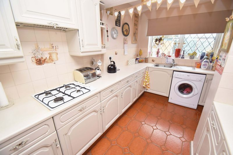 3 bed house for sale in Sutton Close 10