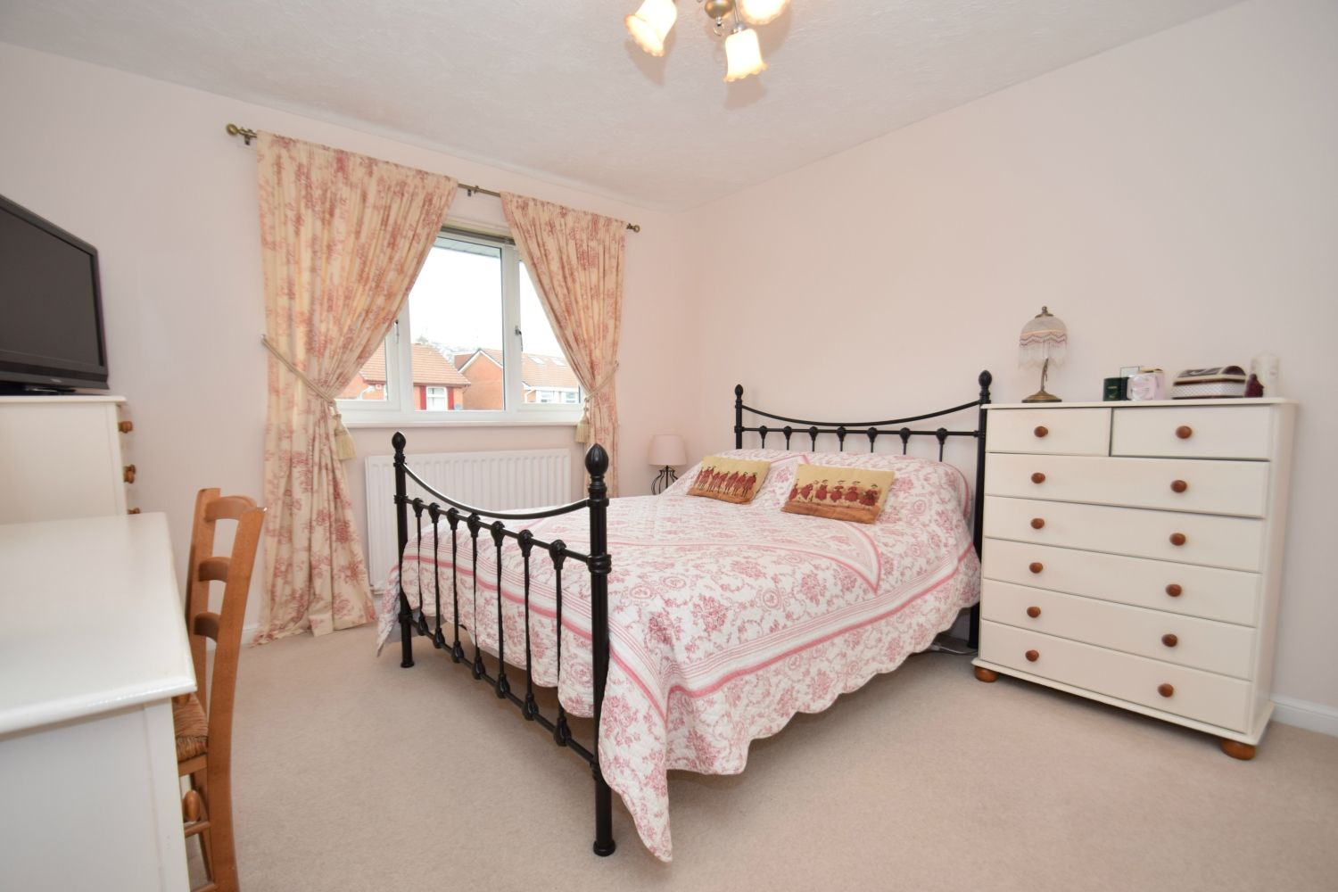 3 bed detached for sale in Foxes Close, Blackwell, B60 10