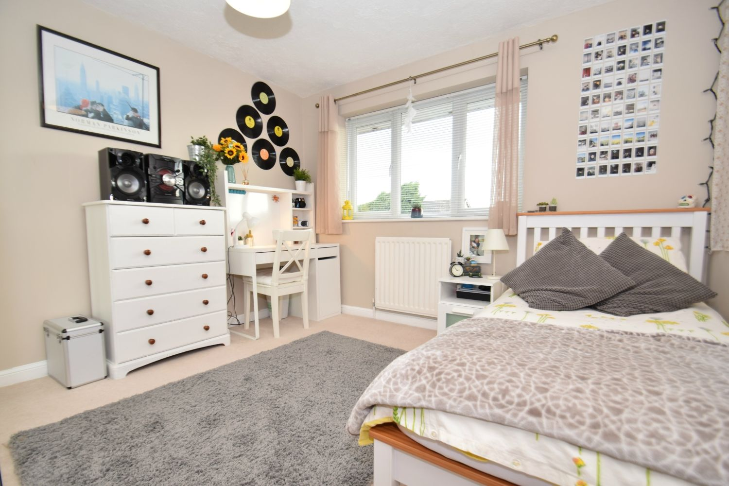 3 bed detached for sale in Foxes Close, Blackwell, B60 14
