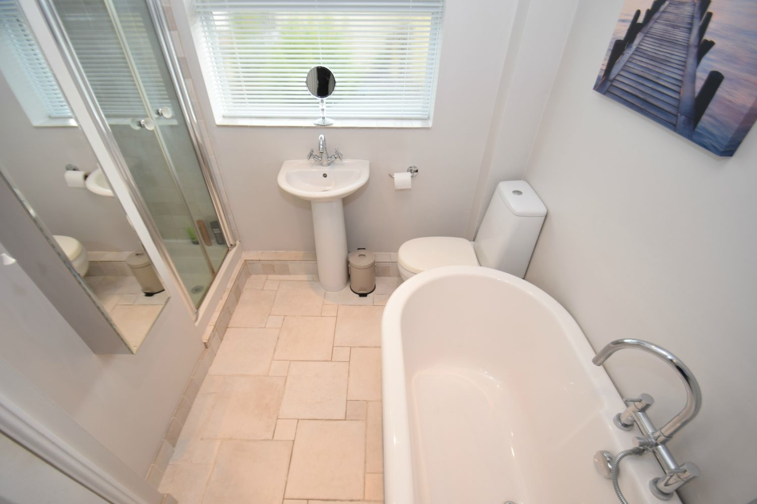 3 bed detached for sale in Foxes Close, Blackwell, B60 17
