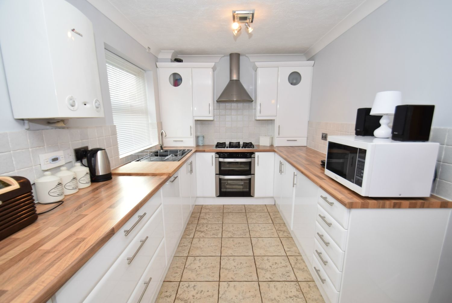 3 bed detached for sale in Foxes Close, Blackwell, B60 2