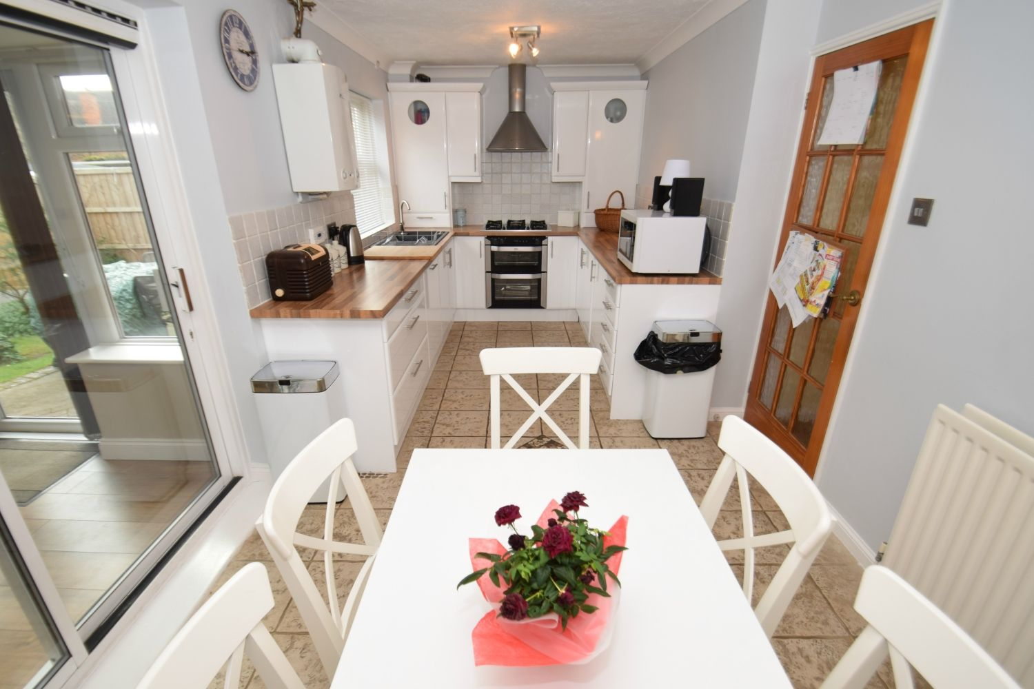 3 bed detached for sale in Foxes Close, Blackwell, B60 4