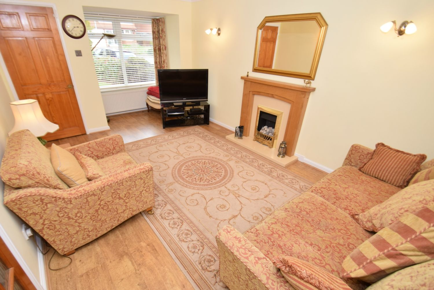 3 bed detached for sale in Foxes Close, Blackwell, B60 7